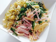 Sałatka szwajcarska - tylko 3 główne składniki! - DoGarow.pl Aga, Pasta Salad, Salads, Ethnic Recipes, Food, Birthday, Diet, Crab Pasta Salad, Birthdays