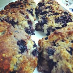 Blueberry scones Blueberry Scones, Carriage House, Bakery, Ethnic Recipes, Food, Eten, Bakery Business, Meals, Car Garage