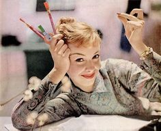 So lovely! (Image from a 1957 ad for Eberhard Faber typewriter erasers.) #vintage #office #supplies #1950s #artist