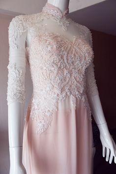 Áo dài cưới hồng phấn nhẹ nhàng cho cô dâu - Áo dài cưới