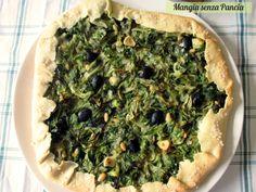 Una deliziosa torta salata di scarola da gustare in tante occasioni e ideale da servire al posto della tipica pizza partenopea natalizia
