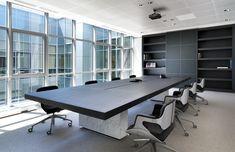 Proyecto Área de Trabajo,  mesa de reunión modelo Asymmetrical de Tecno, diseñado por Piero Lissoni. Mobiliario de diseño para oficinas, restauración, hoteles y contract.  (Espacio Aretha agente exclusivo para España)