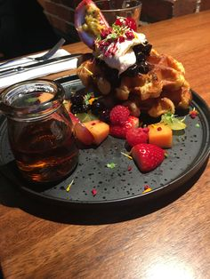Waffles with blueberry compote, fresh fruit, double cream and pure maple syrup Melbourne Cafe, Blueberry Compote, Homemade Seasonings, Pure Maple Syrup, Best Coffee, Fresh Fruit, Chocolate Fondue, Food Inspiration, Yummy Food