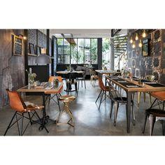 Solid mango wood dining table L180 Metropolis | Maisons du Monde Mango Wood Dining Table, Metal Dining Table, Dining Room Light Fixtures, Dining Room Lighting, Black Metal Chairs, Style Loft, Parasols, Industrial Chair, Vintage Stil