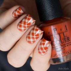 Meerkat Shade Of Fallen Leaves On Your Nails Fall nail colors and designs 2018 are all gathered here! Anything from a matte finish to neutral tones is covered! Fingernail Designs, Toe Nail Designs, Fall Nail Designs, Plaid Nail Art, Plaid Nails, Toe Nail Color, Fall Nail Colors, Halloween Nail Designs, Halloween Nails