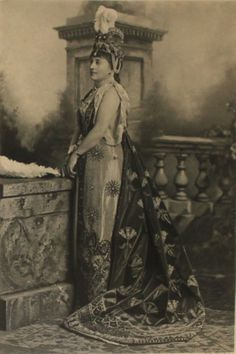 the Duchess of Devonshire as Zenobia, Queen of Palmyra ; the Duchess of Devonshire's Jubilee Costume Ball of 1897