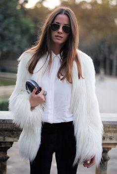 She's definitely making this white fur coat outfit look completely wearable with a classic button up collared shirt and black fitted pants. Fur Fashion, Look Fashion, Womens Fashion, Fashion Trends, Fashion Finder, White Fashion, Cheap Fashion, Affordable Fashion, Daily Fashion