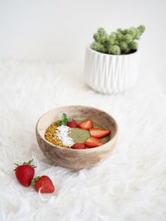 Matcha smoothie bowl - I'm addicted 😊 check my blog for the recipe