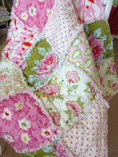 SCROLL DOWN TO WATCH THE VIDEO Rag quilts are very easy and fast to make. Use a soft flannel to get great results. you can cut your blocks any size you want. Depending on who this quilt is for may have something to do with how large of small you cut your pieces. You can speed …