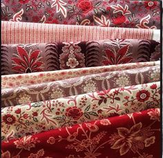 Ville Fleurie. New collection to be introduced at the fall, 2105 Quilt Market Huston. Beautiful!