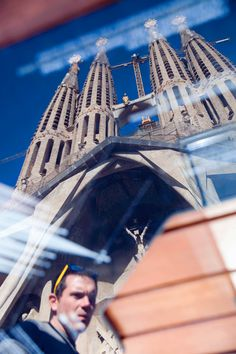 Sagrada Familia. Barcelona.    #Fotografía #Photography #Fotos #Photos #Viajar #Travel #Turismo #Tourism #Lugares #Places #España #Spain Barcelona Tourism, Barcelona Hotels, Barcelona Apartment, Travel Information, Attraction, Sagrada Familia, Traveling, Tourism, Places