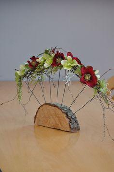 Jarní vějíř Jarní dekorace z umělých květin a přírodnin.