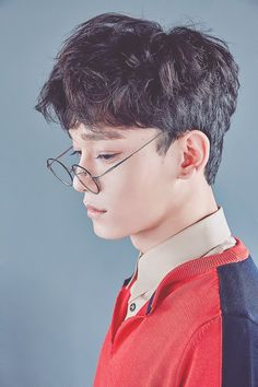 <3 Chen <3 and his glasses