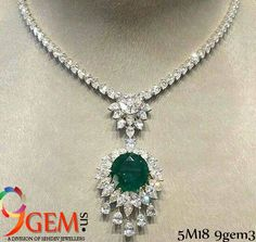 Beautiful diamond & emerald necklace for royal parties Real Diamond Necklace, Diamond Brooch, Diamond Pendant, Diamond Jewelry, Emerald Necklace, Sapphire Pendant, Emerald Diamond, Gold Earrings Designs, Necklace Designs