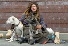 August was Pets of the Homeless Month. Find out how you can help the pets of homeless people here. Homeless Veterans, Homeless Dogs, Homeless People, Helping The Homeless, Fundraising Letter, Fundraising Ideas, Losing Everything, The Victim, Animal Rights