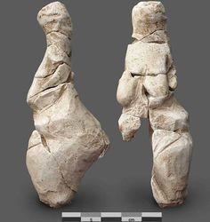 La Vénus de Renancourt, Chalk, 11 cm., find in summer 2014 near Amiens, France, broken (20 pieces). First public presentation 27 november 2014