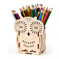 sova – stojánek na tužky