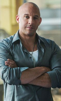 Fast And Furious, Hottest Male Celebrities, Celebs, Vin Diesel Shirtless, Dominic Toretto, Furious Movie, Photo Souvenir, Hollywood Men, Saving Private Ryan