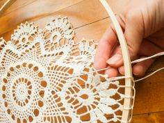 DIY Doily Dream Catcher - Treasured Oak Springs - DIY Doily Dream Catcher – Treasured Oak Springs You are in the right place about diy projects Her - Grand Dream Catcher, Dream Catcher Boho, Doily Dream Catchers, Dream Catcher Craft, Homemade Dream Catchers, Doily Patterns, Crochet Patterns, Crochet Doily Diagram, Crochet Doilies