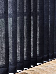 #black #vertical #blinds #stiladk #minimalistic #designs #new #luxury #collection Window Screens, Window Design, Backyard Landscaping, Ramen, Landscape Design, Blinds, Sweet Home, Curtains Living, Curtain Ideas
