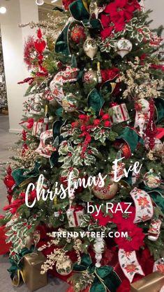 Old World Christmas Ornaments, Christmas Porch, All Things Christmas, Winter Christmas, Christmas Lights, Christmas Wreaths, Christmas Crafts, Merry Christmas, Xmas