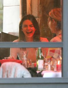 February 2020 - At a Restaurant in Milan K Jenner, Kardashian Jenner, Kardashian Kollection, Kendall Jenner Outfits, Kendall And Kylie Jenner, Indie Girl, Jenner Sisters, Great Women, How To Pose