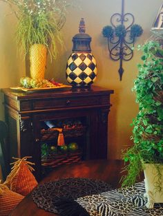The Tuscan Home: Adding Green To The Dining Room