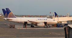 Pasajero ebrio de United Airlines orina compañero de asiento ... - Primera Plana Nueva York (Comunicado de prensa)