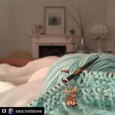 If only every morning could be like this... early morning knitting in bed in one of the beautiful rooms from the yarn retreat this weekend.