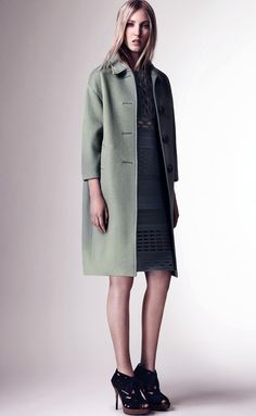 Burberry+Womenswear+Spring_Summer+2016+Pre-Collection+-+Look+13