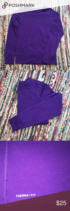 NIKE therma-fit sweatshirt 100% polyester - in good condition Nike Tops Sweatshirts & Hoodies
