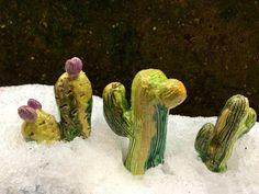 Una foto dentro... protagonistiiii Finalmente . . . . . Periodo CACTUS Manieeee . . . 🌵🌵🌵🌵🌵🌵🌵🌵🌵🌵🌵🌵🌵🌵🌵 . . . . Al corso dal forgiatore di elementi . . . . #ceramica #colore #ceramic #argilla  #forgiatoredielementi #corsodiceramica #collezione #collection #cactuscollection #gruppodiceramica #troppobello #cactus #cacti #cactusmania #inizialacactusmania #cactuslover #creare #modellare #maestrodiceramica #ceramicart #pottery #succulente #succulent #fattoamano #artigianale…