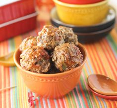Perfect appetizer for your next party! These Slow cooker Italian Meatballs are delicious! Crock Pot Slow Cooker, Crock Pot Cooking, Slow Cooker Recipes, Crockpot Recipes, Cooking Recipes, Freezer Recipes, Cooking 101, Easy Recipes, Italian Meatballs