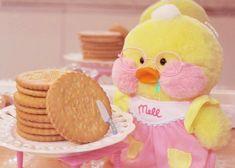 Tan yo :'v~ kim thalia ☪️ Kawaii Plush, Cute Plush, Kawaii Bunny, Imagenes Color Pastel, Mochi, Cute Ducklings, Cute Chickens, Little Duck, You Are Cute