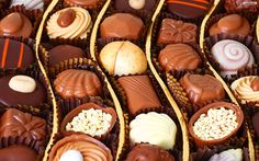 Chocolate - Health Benefits, Facts, and Research <3 http://www.medicalnewstoday.com/articles/270272.php #massageenvyhi #dietandnutrition #chocolate #health #wellness #joy #happiness #themoreyouknow