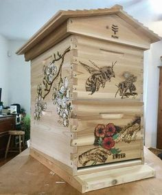 Harvesting The Honey Bee Hives Boxes, Bumble Bee Honey, Honey Bee Hives, Honey Bees, Beehive Design, Bee Facts, Bee House, Backyard Beekeeping, Birds And The Bees