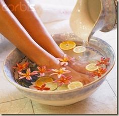 Foot spa is a relaxing and effective technique that caters with all the demands of the feet. Benefits of foot spa includes proper blood circulation, reduce stress, relieves headache etc. Know the benefits and procedure to do foot spa at home.