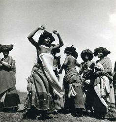 Constance Stuart Larrabee Photographs of African Tribes/Graucho and the Native Girls African Culture, African History, South Africa Wildlife, Africa Tribes, 1940s, Afro, Native Girls, Xhosa, Black And White Prints
