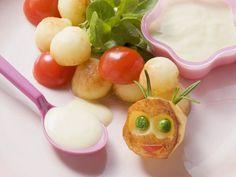 Gebratene Kartoffelbällchen mit Joghurtdip ist ein Rezept mit frischen Zutaten aus der Kategorie Dips. Probieren Sie dieses und weitere Rezepte von EAT SMARTER!