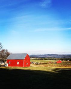 Annie @ OM & LOtL Photography: Red Barn Love. I Don't Want to Leave. Green Mounta...