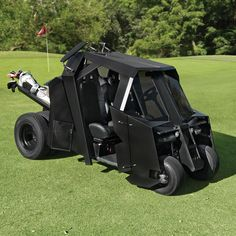 Any Batman fan who loves to golf will definitely appreciate the Gotham Golf Cart. The Gotham Golf Cart was inspired by the Tumbler from the Hammacher Schlemmer, Custom Baggers, Custom Motorcycles, Custom Bikes, Custom Choppers, Custom Cycles, Nananana Batman, Batman Batmobile, I Am Batman