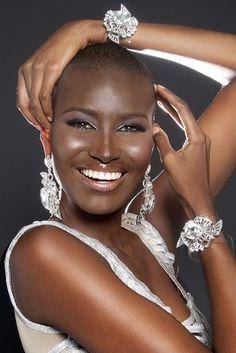 caramelblackness:  divalocity:  Afro Beauty: Miss Venezuela 2014...