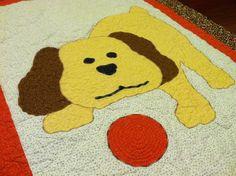 Puppy Love applique baby quilt, www.quiltaddictsanonymous.com