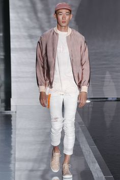 John Elliott Spring 2017 Menswear Fashion Show (Gerardo Somoza / Indigital.tv)