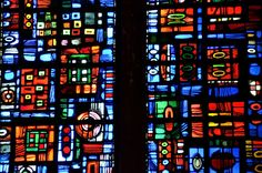 Beauvais (Oise) - Cathédrale Saint-Pierre - Vitraux de la chapelle Sainte-Anne de Jacques Lechevallier (XXe) (détail)