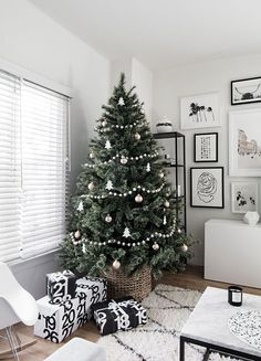 Simple decorations for a modern minimal Christmas tree.