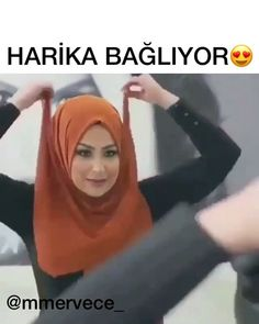 "1,465 Beğenme, 8 Yorum - Instagram'da Merve'ce 🎀 (@mmervece_): ""Evet çok beğendim 😍😍 Sizler de beğenmeyi unutmayın 💕 #salbaglamavideosu #hazırşal"" Turban Tutorial, Hijab Style Tutorial, Hijab Fashion Summer, Fashion Pants, Fashion Dresses, Turkish Hijab Tutorial, Habits Musulmans, Hijab Turban Style, Bridal Hijab"