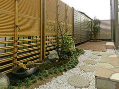 福岡県太宰府市の和風・和モダンな庭・ガーデン工事例。テラス囲いと心和むガーデン。