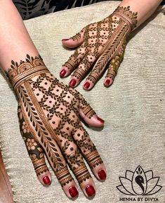 Mehndi Designs For hands - we made a detailed guide of mehndi designs for hands that can help you decide your upcoming mehendi look! Easy Mehndi Designs, Latest Mehndi Designs, Wedding Henna Designs, Back Hand Mehndi Designs, Henna Art Designs, Mehndi Designs For Girls, Mehndi Designs For Beginners, Dulhan Mehndi Designs, Mehndi Design Pictures