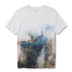 A great urban casual look starts with this young men's <strong>graphic T-shirt from Roebuck & Co.</strong> Crafted in all-cotton knit fabric, this tee offers a comfortable broken-in feel with premium softness. The center graphic features an overhead city design with distressed detailing for a retro feel. Short sleeves and a crew neck finish this shirt with simplicity.